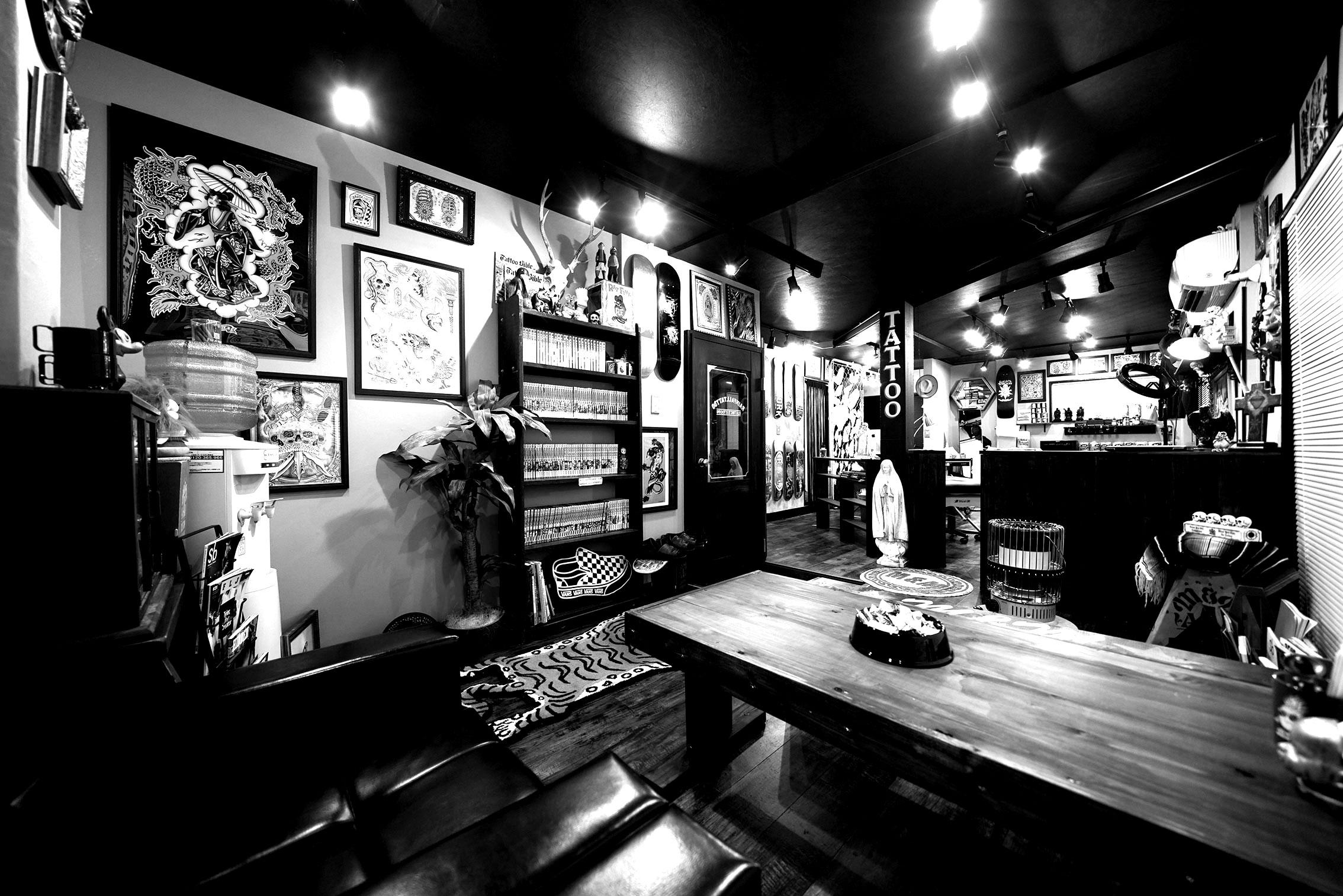 東京のタトゥースタジオ レインフォールタトゥー